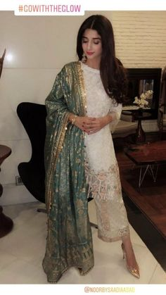 Fashion Advice That Everyone Out There Should Know – Designer Fashion Tips Pakistani Wedding Outfits, Pakistani Wedding Dresses, Pakistani Dress Design, Indian Dresses, Indian Outfits, Pakistani Party Wear, Pakistani Couture, Indian Designer Outfits, Indian Attire