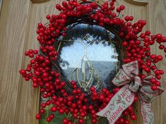 Red Christmas, Christmas Gifts, Christmas Decorations, Autumn Wreaths, Holiday Wreaths, Twig Wreath, Door Wreath, Red Berry Wreath, Square Wreath