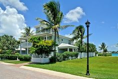 Doesn't look all that majestic in this picture... BUT, OMG, when I went to the web site and looked at all the pictures, I was blown away with all the rooms inside and all the views.  This is a rental beach house in Key West, located only 500 yards off-shore.  I want to buy so that it will be mine and I can live there with my kids 365 days of the year.