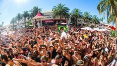 Crowd goes wild at Encore (photos courtesy of Encore Beach Club) Adult Pool, Las Vegas, Vegas Style, Top Destinations, Travel Articles, Beach Club, Night Club, Traveling By Yourself, Dolores Park
