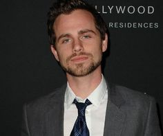 """Remember """"Boy Meets World""""? I never got over my crush on Rider Strong aka Shawn Hunter Boy Meets World Shawn, Girl Meets World, Important People, Good People, Amazing People, Beautiful People, Kids Choice Awards Winners, Rider Strong, Shy Guy"""