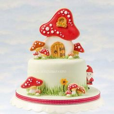 Another Cake & Cookies combination. Toadstool ( large & small) and gnome cutters are available in our Etsy shop (link in profile )