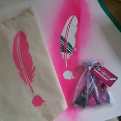 Getting creative with my author swag today! #essexauthorextravaganza #lovingthepink  #authorswag #creativeday