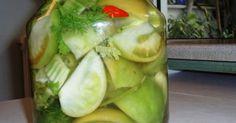 Αυτέςοι πράσινες ντομάτες που βλέπουμε το χειμώνα είναι οι τελευταίες που γίνονται στα υπαίθρια περβόλια και λόγω κρύου δεν κοκκινίζ... Canning Tips, Canning Recipes, Greek Cooking, Fermented Foods, Greek Recipes, Different Recipes, Recipe Collection, Food Network Recipes, Pickles