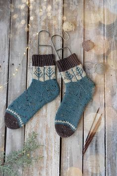 Day 1 of Winter - Blue Spruce Socks knit in Deluxe DK Tweed Superwash. A knitting kit from Universal Yarn. Knitting Kits, Fair Isle Knitting, Knitting Socks, Knitting Projects, Hand Knitting, Universal Yarn, Quick Knits, Wool Socks, Designer Socks