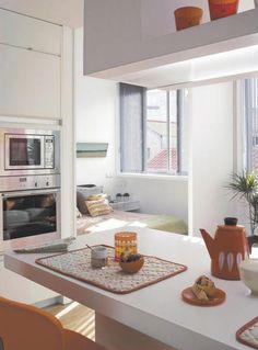 El espacio parece multiplicarse en este apartamento que tiene de todo, decorado en estilo moderno y joven. Su fórmula: una reforma con ideas brillantes. #Decoración