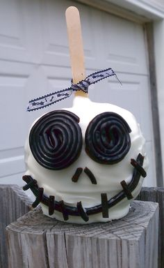 Candy apple skull
