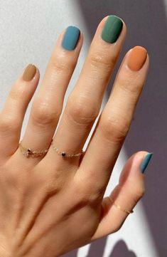 Gradient Nails, Cute Acrylic Nails, Cute Nails, Cute Fall Nails, Stylish Nails, Trendy Nails, Multicolored Nails, Dipped Nails, Minimalist Nails