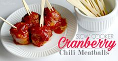 Easy Cranberry Chili Meatballs made in the Slowcooker - the BEST EVER - this sauce tastes like the APPLE PAN Hickory sauce! Slow Cooker Chili, Tailgating Recipes, Tailgate Food, Entree Recipes, Appetizer Recipes, Appetizers, Fall Recipes, Snack Recipes, Nachos
