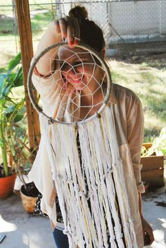 DIY Tutorial: DIY for home / DIY macrame dream catcher add some swarvoski crystals and it's a gorgeously made dream catcher as a gift.