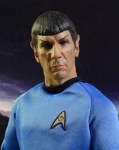 Qmx Star Trek Kirk, Spock sixth scale figures Uss Enterprise Ncc 1701, Star Trek Enterprise, Star Trek Tos, Star Wars, Trek Ideas, Star Trek Action Figures, Star Trek Original, Spock, Geek Chic