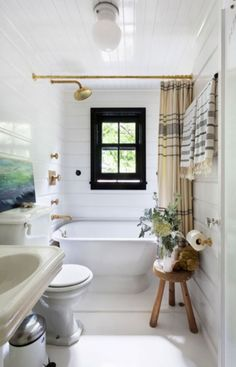 bathroom / montauk house / roman & williams.