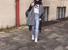 Image de fashion and hijab Street Hijab Fashion, Muslim Fashion, Modest Fashion, Fashion Outfits, Casual Hijab Outfit, Hijab Chic, Modest Wear, Modest Outfits, Modele Hijab
