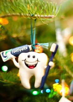 Dentaltown - Which one is your favorite most epic dental office Christmas tree?