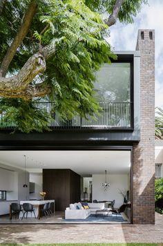 Jacaranda House / MacCormick & Associates Architects on Inspirationde Australian Architecture, Australian Homes, Residential Architecture, Interior Architecture, Interior Design, Front Rooms, Dark Interiors, Architect House, Park Homes