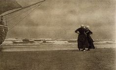 Alfred Stieglitz, Gossip—Katwyk, 1894 (published in Camera Work 1905) #ZuidHolland #Katwijk