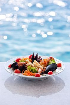Seafood salad, Ammoudi, Santorini shared by Ʈђἰʂ Iᵴɲ'ʈ ᙢᶓ Santorini Island, Santorini Greece, Seafood Salad, Fish And Seafood, Greece Sea, Luxury Sailing Yachts, My Kitchen Rules, Sailing Holidays, Greek Cooking
