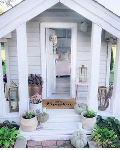 Wouldn't a she-shed be such a fun project to make this year? I think I'd turn mine into my office or maybe a tiny guest house? This adorable she-shed is my friend Martha's at Simple Cozy Charm :] 💗 . Be sure to check out Tiny Guest House, Tiny House, Shed Office, Fall Entryway, New Homeowner Gift, Shed Homes, She Sheds, Shed Design, Shed Plans