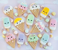 These ice creams and popsicles won't get you cold like real ice cream would! 🍦❄️️ Make your Tuesday a little yummier with these super kawaii ice cream cookies! Ice Cream Cookies, Iced Cookies, Royal Icing Cookies, Kawaii Cookies, Cute Cookies, Ice Cream Theme, Ice Cream Party, Cute Baking, Candyland