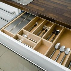Maximize Space In Your Kitchen With Kitchen Drawer Organizers
