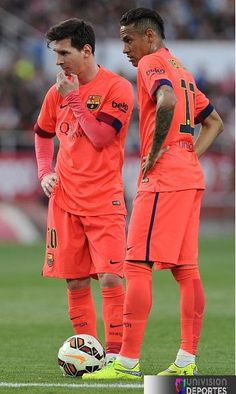 They look like supermodels when they plot. Messi Y Neymar, Ronaldo Juventus, Good Soccer Players, Football Players, Football Soccer, Lionel Messi Barcelona, Barcelona Football, Lionel Messi Wallpapers, Pier Paolo Pasolini