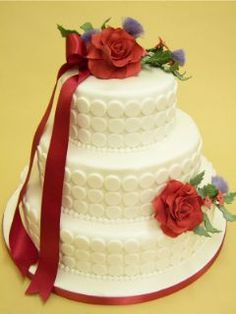 Contemporary #Wedding #Cake #Roses #Classic white circles