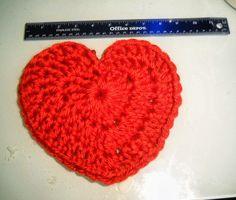 ✔️gold crochet heart for pink pillow.   Binding Off: Crochet pattern for a large heart