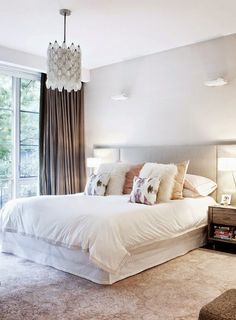 Simple Bedrooms | Pinterest: @chenebessenger