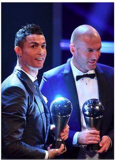 Ronaldo and Zidane at the 2017 Best FIFA Football Awards : Best Fifa Men's Player and Coach Award Football Awards, Fifa Football, Football Icon, Best Football Players, World Football, Cristiano Ronaldo Style, Ronaldo Juventus, Real Madrid, Ronaldo Shirt