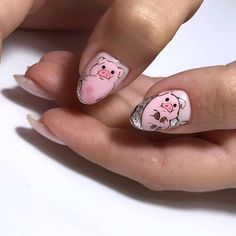 Pig nail art is in a high demand now. See the cutest nail designs with this year`s symbol! Pig Nail Art, Pig Nails, Funky Nail Art, Animal Nail Art, New Year's Nails, Cute Nail Art, Cute Nails, Funky Nails, Animal Nail Designs