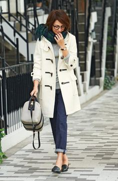 Want to have Pea Coat✨ Warm Outfits, Fall Winter Outfits, Autumn Winter Fashion, Fashion Pants, Girl Fashion, Womens Fashion, White Winter Coat, Duffle Coat, Mode Style