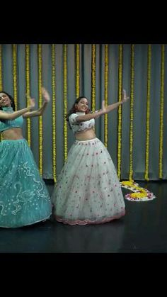 Girl Dance Video, Hip Hop Dance Videos, Dance Workout Videos, Dance Choreography Videos, Indian Wedding Songs, Best Wedding Dance, Wedding Dance Video, Cool Dance Moves, Dance Tips