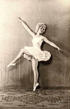Fabulous Tulle Dresses – Favorite Fashion Style of Female Dancers from the early 20th Century