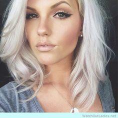 platinum-pearl-blonde-with-natural-makeup