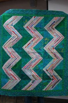 Amish Zig Zag : selvage quilt by AnnMarie Cowley at the Portland Modern Quilt Guild