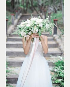 Pink and white ribbon... subtle yet memorable ~ we ❤ this! moncheribridals.com