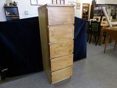 Deep wooden drawers, measurements are H-123cm W-40.5cm D-48.5cm ---------------- £65 (pc323)