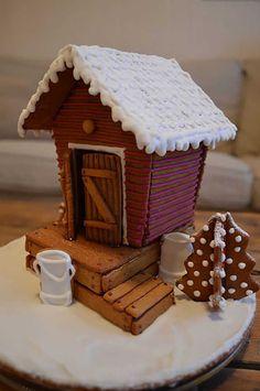 Tässä on upein piparkakkutalo Gingerbread House Designs, Gingerbread House Parties, Gingerbread Crafts, Gingerbread Village, Christmas Gingerbread House, Gingerbread Cookies, Peppermint Oreos, Xmas Desserts, Cookie House