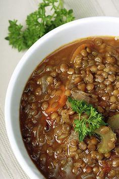 Encontre aqui o tempo de cozimento ideal da lentilha, como prepará-la, dicas, ideias de receitas e valores nutricionais.