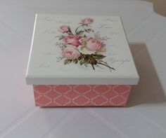 Decoupage Box, Diy Tassel, Painted Boxes, Wood Boxes, Country Decor, Painting On Wood, Altered Art, Amazing Art, Stencils
