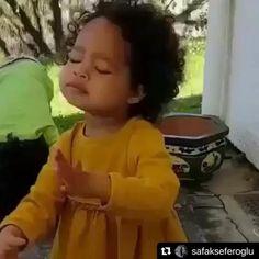 Cute Funny Baby Videos, Cute Funny Babies, Funny Videos For Kids, Funny Short Videos, Funny Animal Videos, Funny Cute, Funny Baby Memes, Funny Video Memes, Dancing Baby