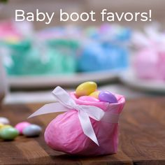 Make your own cute Baby Boot Favors for your next baby shower or children's party! Make your own cute Baby Boot Favors for your next baby shower or children's party! Christmas Gift Wrapping, Diy Christmas Gifts, Holiday Crafts, Holiday Fun, Christmas Time, Fun Crafts, Christmas Baby, Creative Gift Wrapping, Creative Gifts