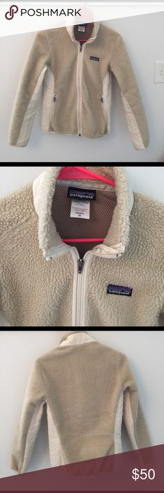Patagonia Fleece - XS Natural color - women's XS - great condition Patagonia Jackets & Coats