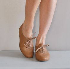 vintage nude leather oxford shoes