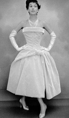 Christian Dior 1954