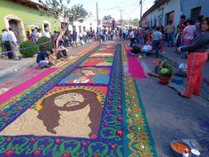 Hondureños plasman su fe con alfombras de aserrín en Semana Santa http://www.laprensa.hn/honduras/1164571-410/hondure%C3%B1os-plasman-su-fe-con-alfombras-de-serr%C3%ADn-en-semana-santa