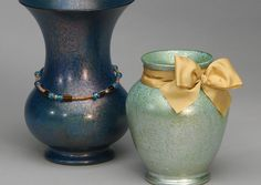 Faux spray paint technique to upscale regular vases. #DesignMaster #OICanDoThat www.dmcolor.com @dmcolortools