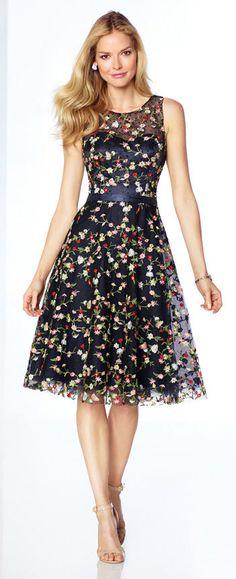 Vestido negro de flores sin mangas liston azul cintura