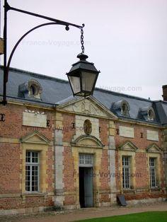 Le château de La Ferté-Saint-Aubin