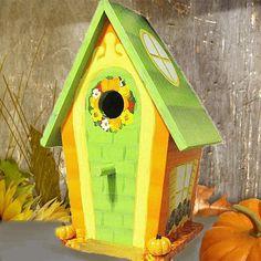 Fall Hand Painted Birdhouse por PaintBrushedBoutique en Etsy